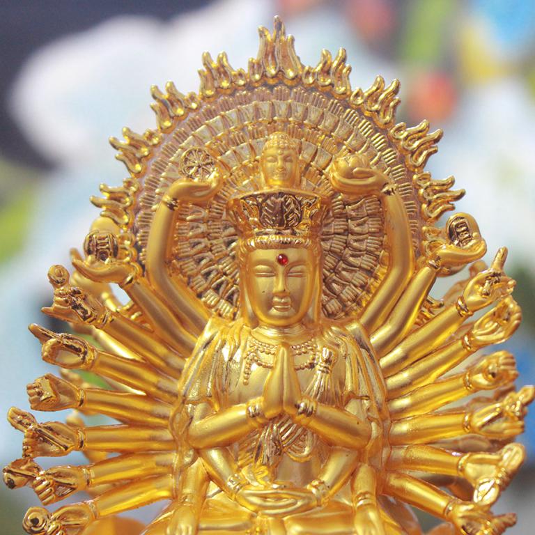 Tượng Phật bà Quan Âm nghìn mắt nghìn tay để xe ô tô bằng hợp kim