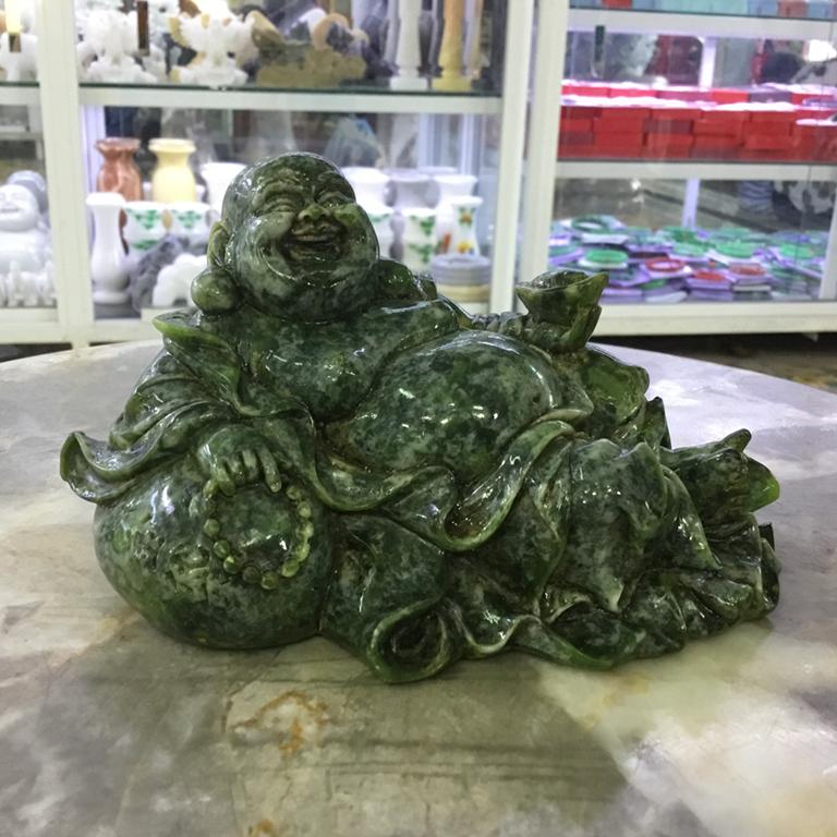 Tượng Phật Di Lặc để xe ô tô bằng đá