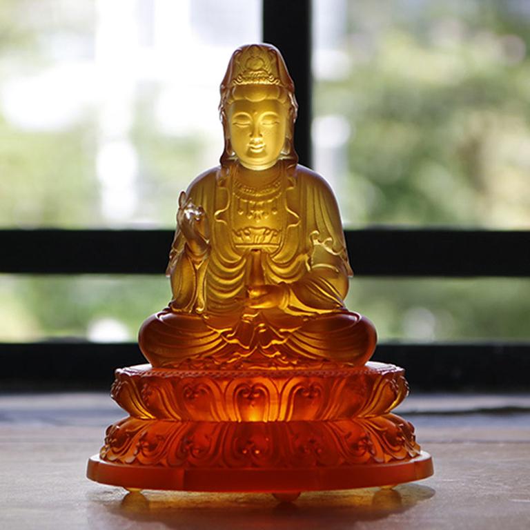 Tượng Phật Quan Âm Bồ tát để xe ô tô bằng lưu ly