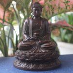 Tượng Phật A Di Đà để xe ô tô bằng đồng thau hợp tuổi tuấn và tuổi hợi