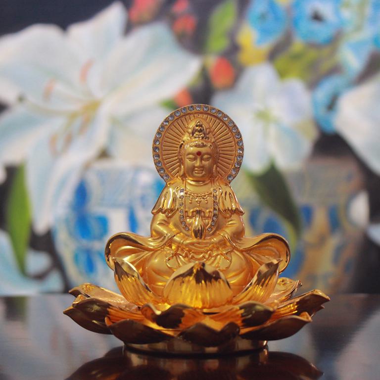 Tượng Phật Quan Âm ô tô