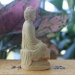 Tượng Phật A Di Đà để xe ô tô hợp với người tuổi hợi