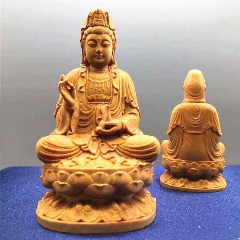 Tượng Phật Bà Quan Âm để xe ô tô bằng gỗ bách xanh