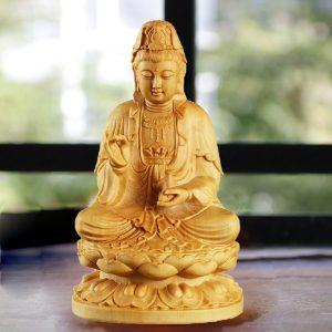 Tượng Phật Bà Quan Âm để xe ô tô bằng gỗ đẹp cao cấp