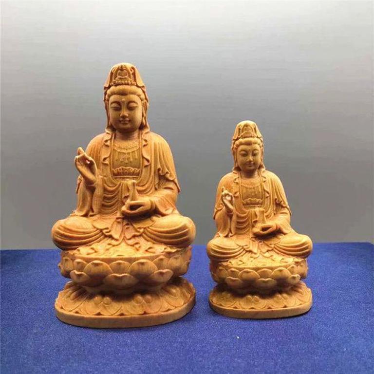 Tượng Phật để xe ô tô tại Hà Nội