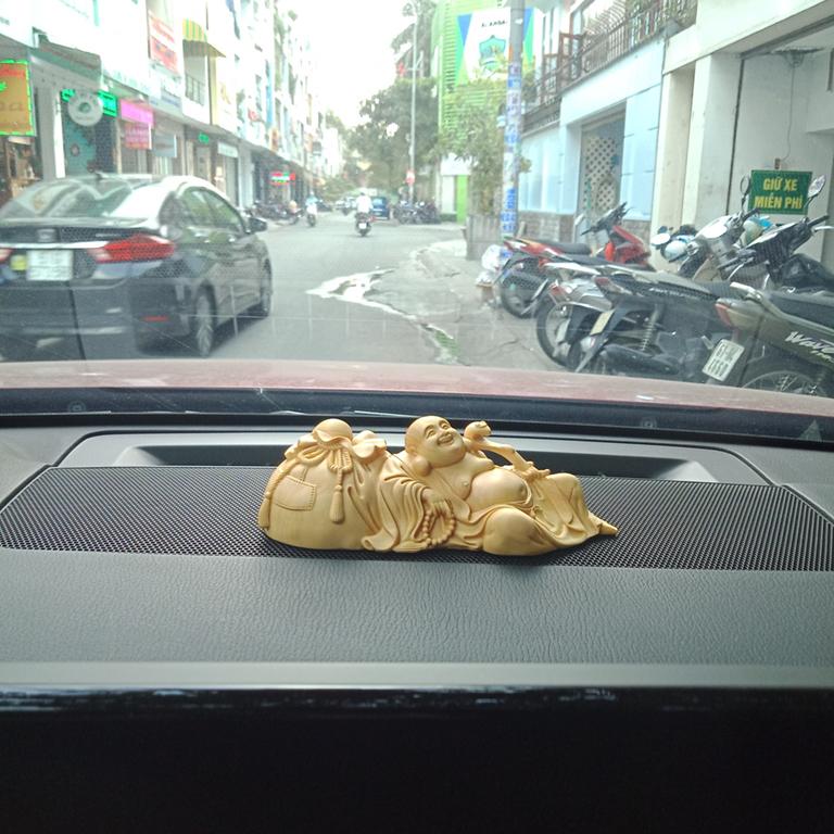 Tượng Phật Di Lặc để xe ô tô tại tân bình, tp hcm