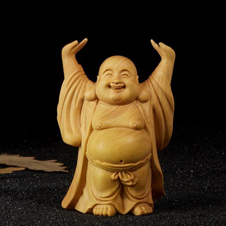 Tượng Phật Di Lặc đội trời để xe ô tô cực đẹp