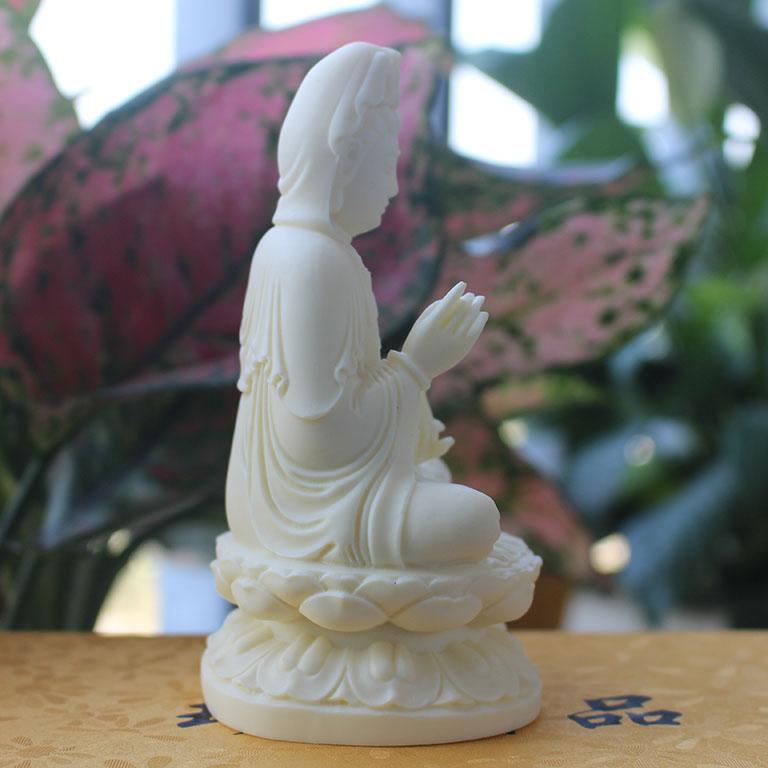 Tượng Phật Bà Quan Âm để xe ô tô bằng đá màu trắng
