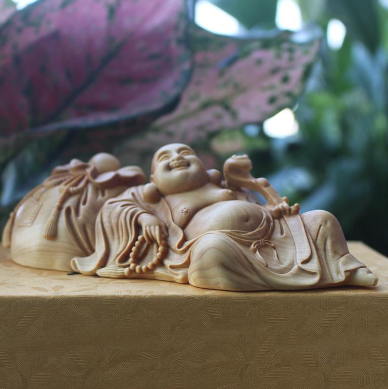 Tượng Phật Di Lặc để xe ô tô đẹp và cao cấp