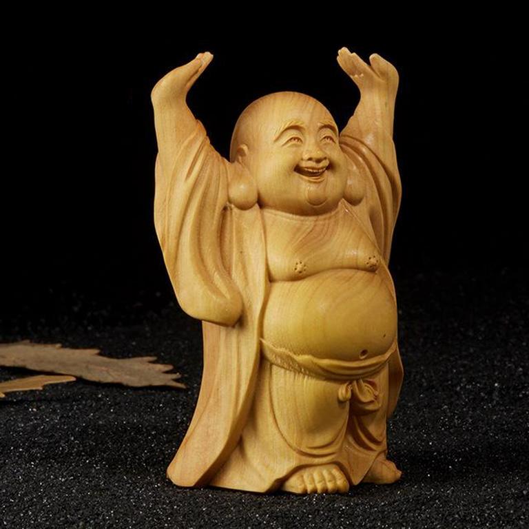 Tượng Phật Di Lặc đội trời để xe ô tô bằng gỗ Hoàng Dương tại Tp Hồ Chí Minh