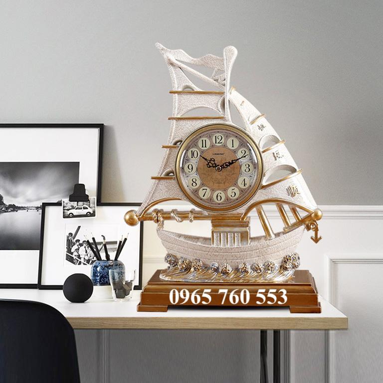 mẫu thuyền buồm có gắn đồng hồ phong cách classic