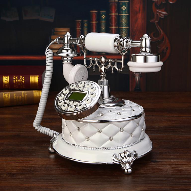 Điện thoại để bàn gam màu sáng mềm mại