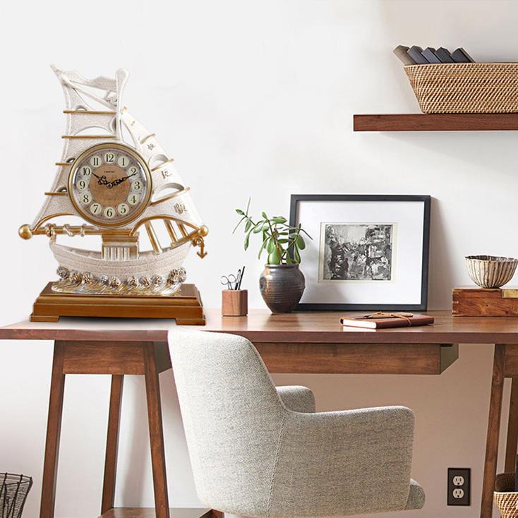 Mẫu đồng hồ để bàn làm việc có ý nghĩa thuận buồm xuông gió
