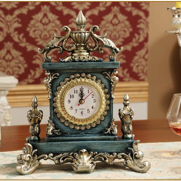 Mẫu đồng hồ để bàn mang phong cách kiểu dáng châu Âu