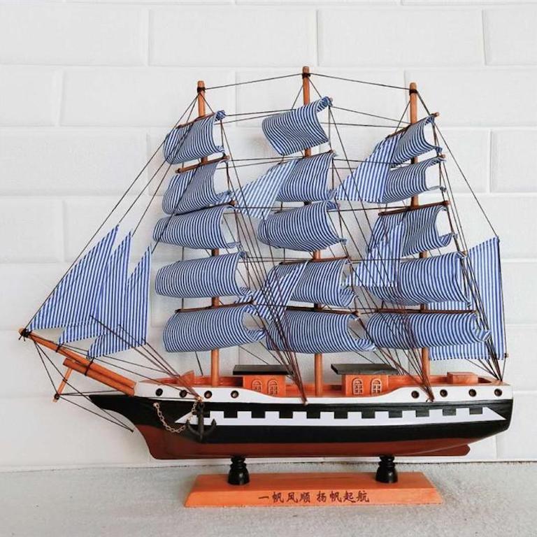 Mô hình thuyền buồm để bàn làm việc bằng gỗ