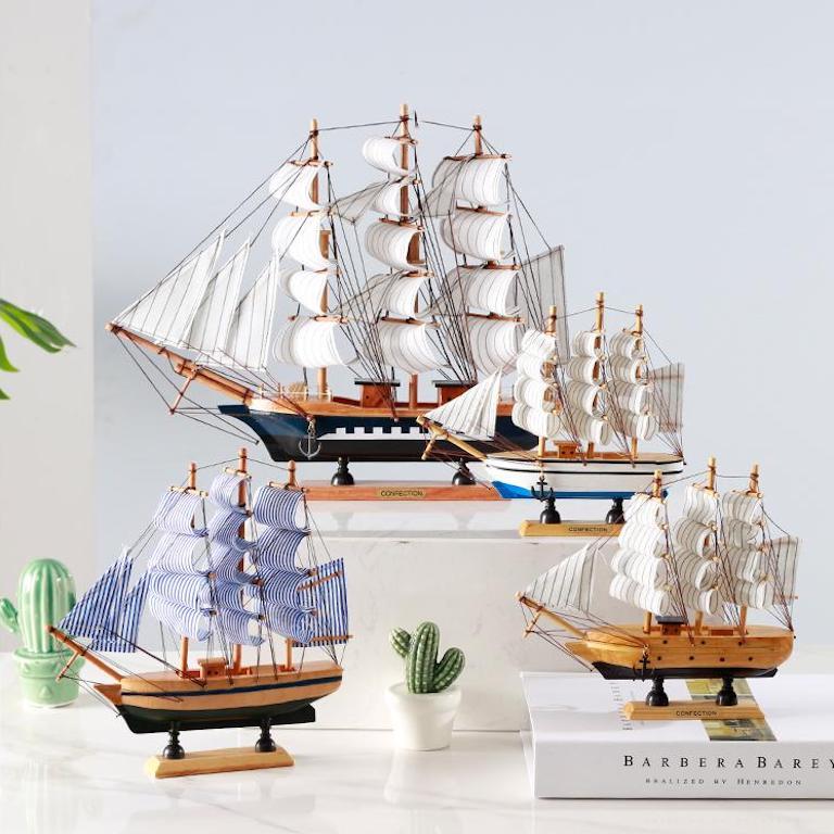 Mô hình thuyền buồm đem lại phong thuỷ tốt khi đặt trên bàn làm việc