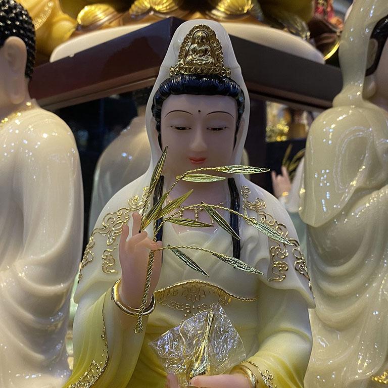 Chi tiết Tượng Phật Bà Quan Âm Màu Vàng, cao 30 cm