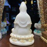 Mặt sau của tượng Phật Bà Quan Âm bằng bột đá cao cấp cao 20 cm