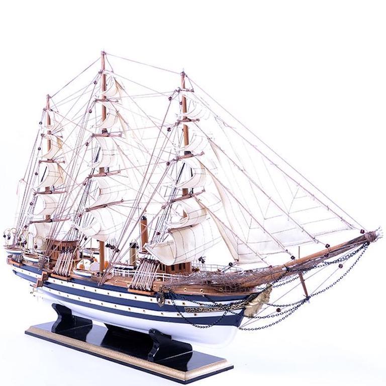 Thuyền buồm để bàn cao cấp tại tp hcm