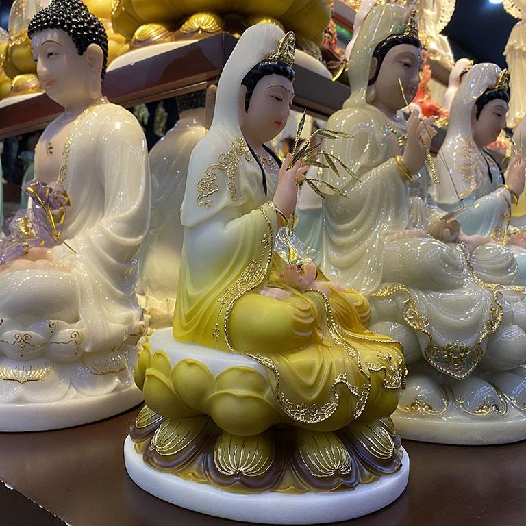 Tương Phật Bà Quan Âm Bằng Bột Đá Thờ Cúng Tại TP HCM