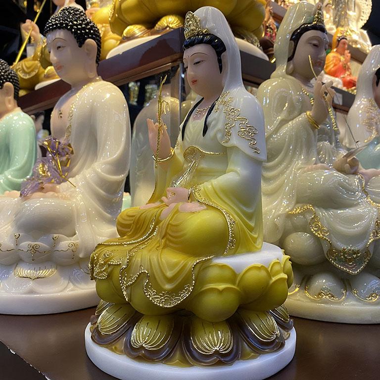 Tương Phật Bà Quan Âm Bằng Bột Đá thờ cúng tại nhà