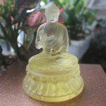 Tượng Phật Thích Ca Mâu Ni bằng lưu ly để xe ô tô