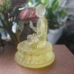 Tượng Phật Thích Ca Mâu Ni bằng lưu ly để xe ô tô tại Hà Nội