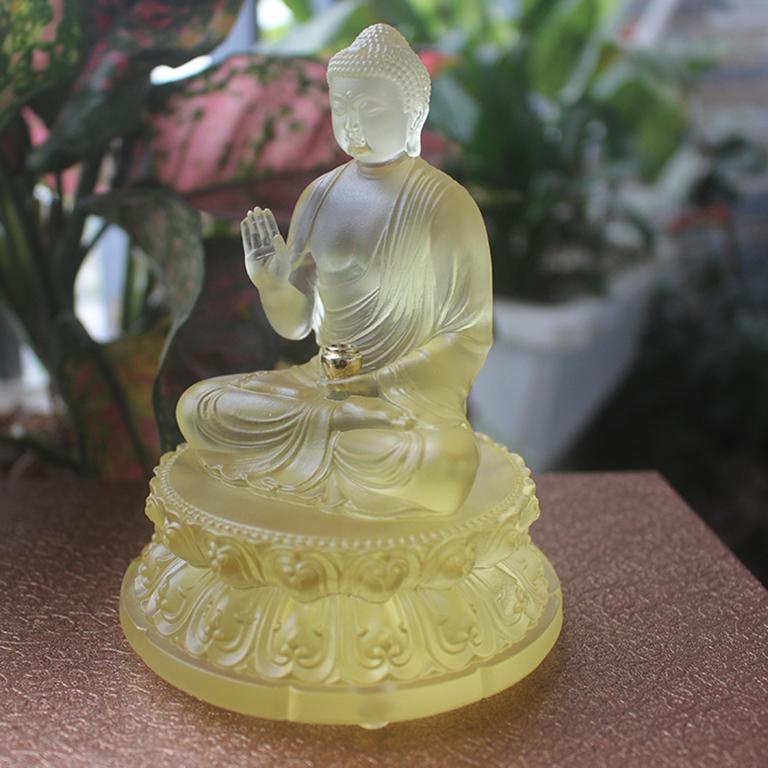 Tượng Phật Thích Ca Mâu Ni bằng lưu ly