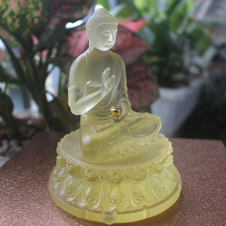 Tượng Phật Thích Ca Mâu Ni để xe ô tô
