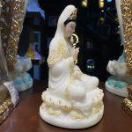 Tượng Phật Bà Quan Âm bằng bột đá cao cấp cao 20 cm
