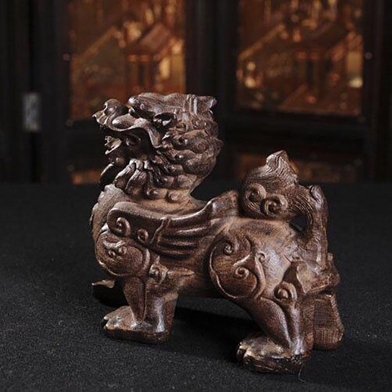 Tượng tỳ hưu bằng trầm hương cao cấp được nhiều người lựa chọn làm quà tặng