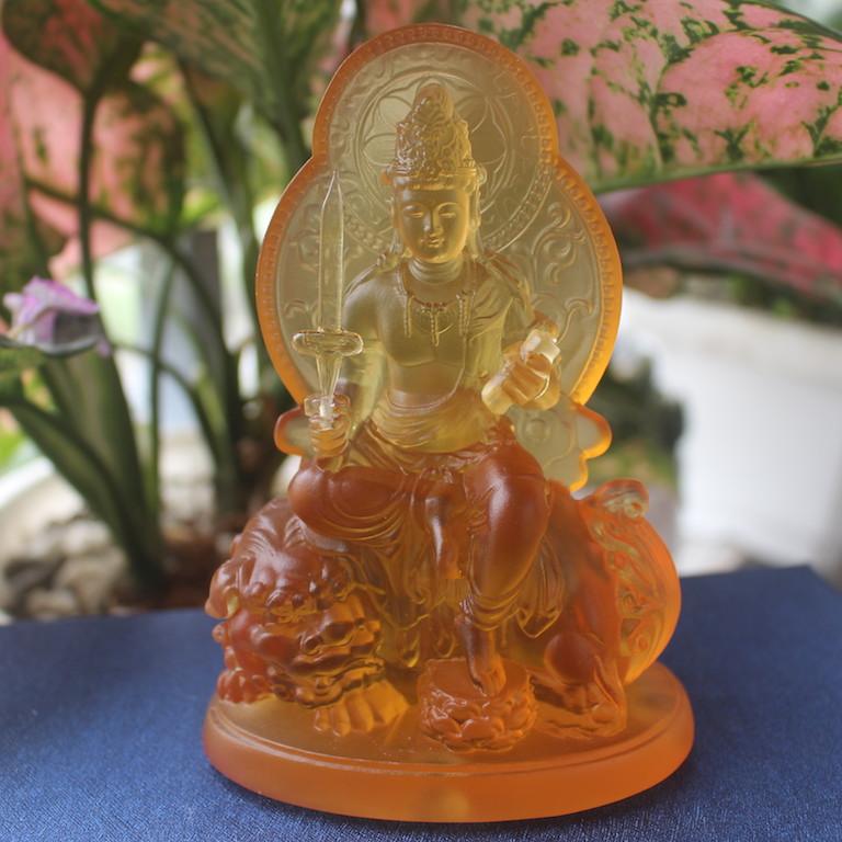 Tượng Phật Văn Thù Bồ tát để xe ô tô bằng lưu ly tại tp hcm