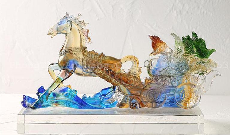 Ngựa kéo bắp cải phong thuỷ ý nghĩa mã đáo thành công đem lại nhiều của cải