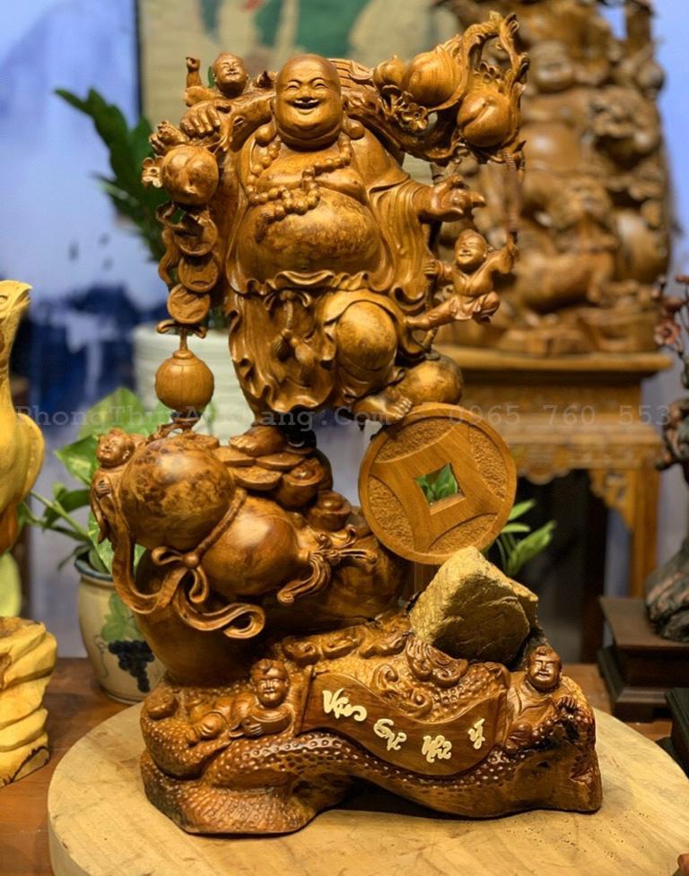 Phật Di Lặc ngũ phúc gánh cành đào gỗ nu hương