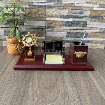 Hộp bút để bàn làm việc giám đốc