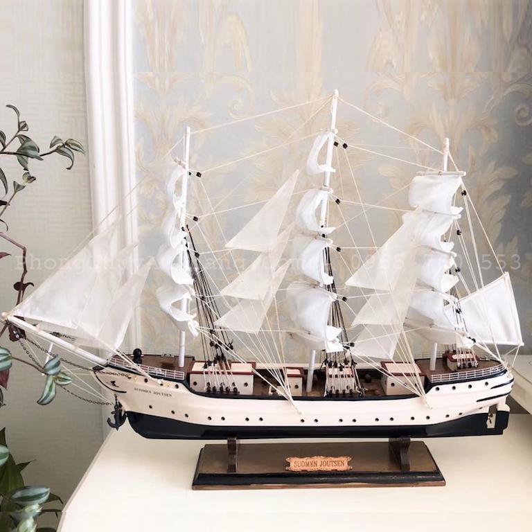 Mô hình thuyền buồm bằng gỗ để bàn làm việc