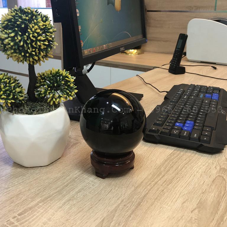 Quả cầu obsidian màu đen để bàn làm việc