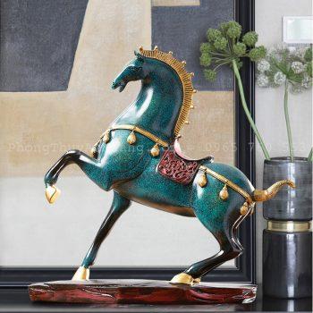 Tượng ngựa chiến la mã để bàn làm việc