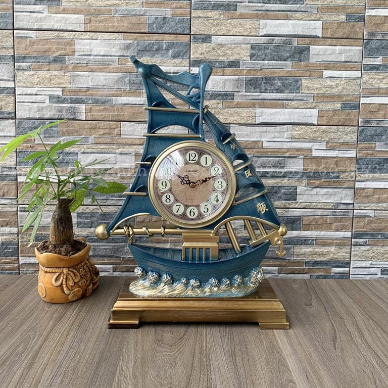 Đồng hồ thuận buồm xuôi gió để bàn làm việc hợ tuổi Quý Hợi 1983