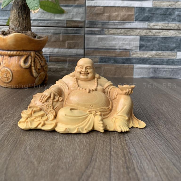 Tượng Phật Di Lặc ngồi gỗ để ô tô