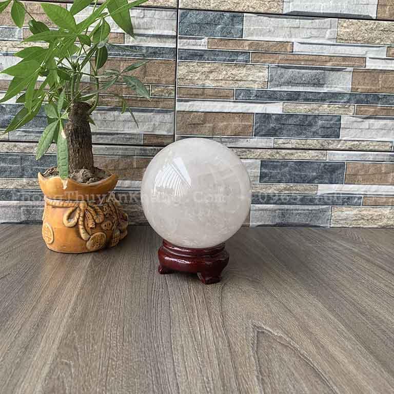 Quả cầu Thạch Anh trắng 12cm để bàn làm việc