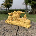 Tượng Phật Di Lặc kéo bao tiền để xe ô tô