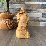 Tượng Phật Di Lặc gỗ Hoàng Dương để xe ô tô