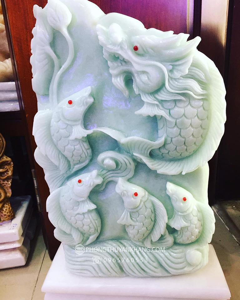Tượng ngũ chép hoá rồng đá Marble